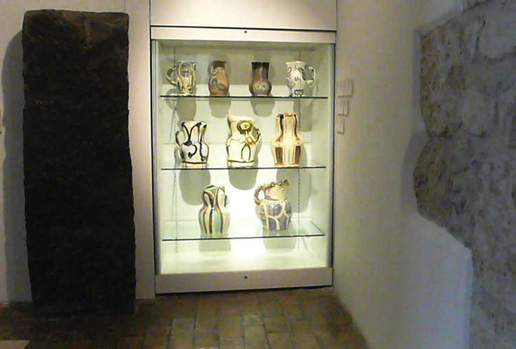 inca and prism cases at the chateau musee picasso